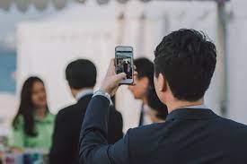 persona haciendo foto